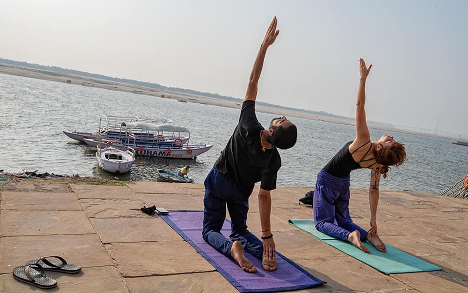 Yoga-varanasi-banaras-personal-trainer-asanas-mantra